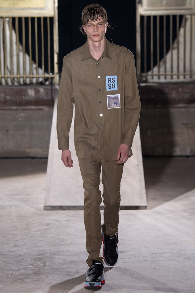 SS15 Paris Raf Simons006_Jake Love(VOGUE)