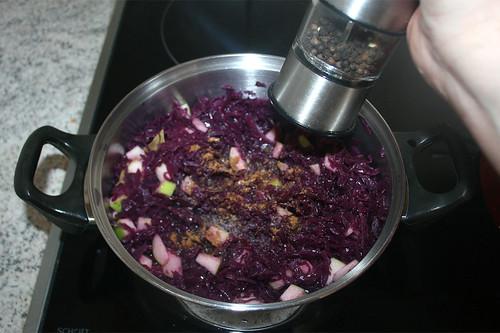 52 - Mit Gewürzen abschmecken / Taste with seasonings