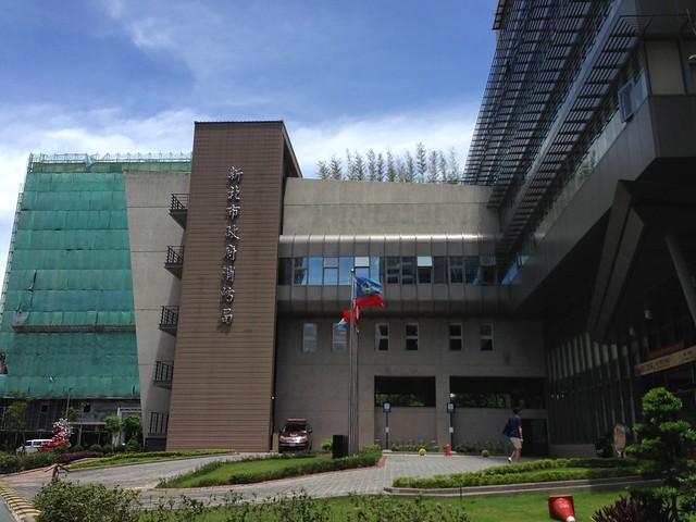 會議地點在新北市板橋消防局新建大樓(亞東醫院旁邊)