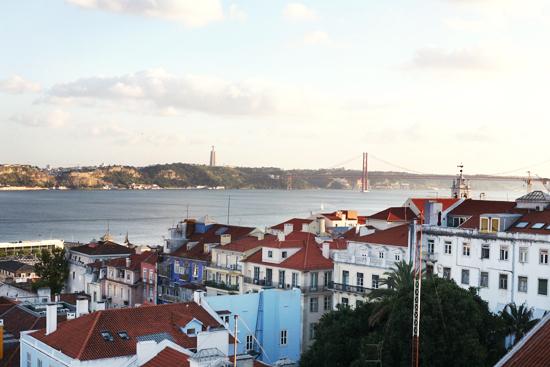 lisbon, portugal liten