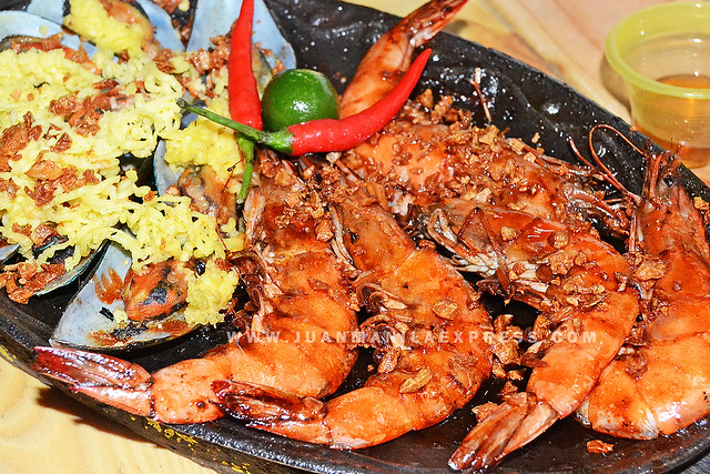 SIZZLING SEAFOODS.