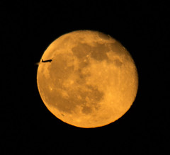 Moonrise Fly By 16 April 2014