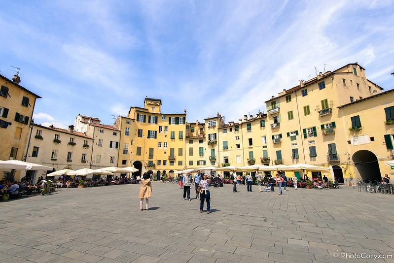 Piazza anfiteatro amfiteatre square Lucca Italy