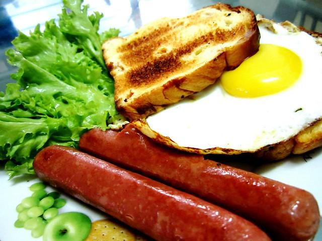 Gardenis toast for breakfast