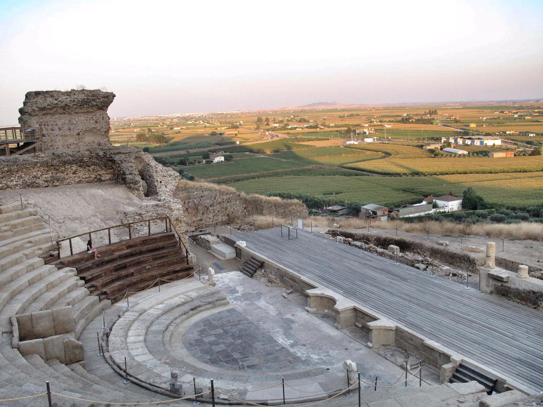 teatro romano medellin_vistas_cultivos
