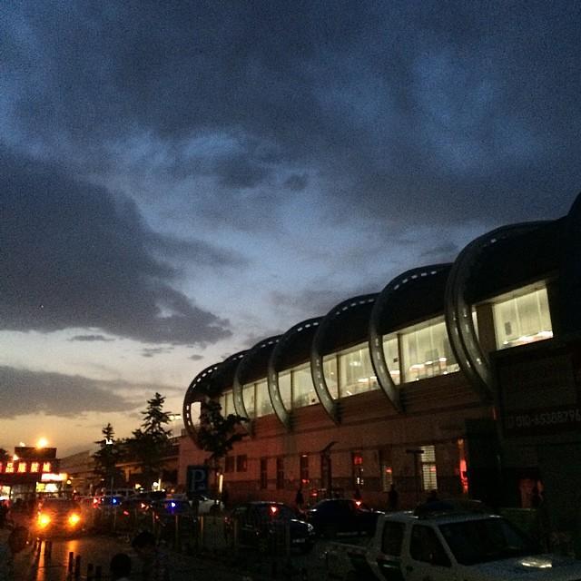 Beijing Today #拍天空兴趣小组# @北京地铁 八通线 梨园