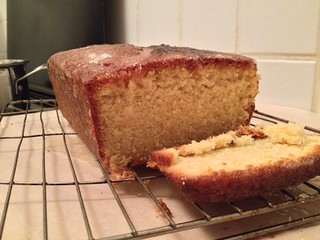 Lemon Drizzle : Side Shot