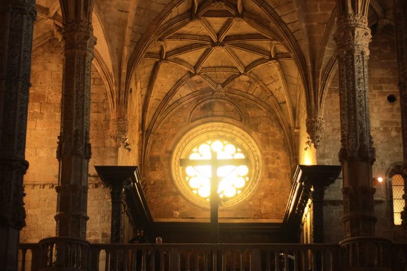 church of santa maria ceiling cross