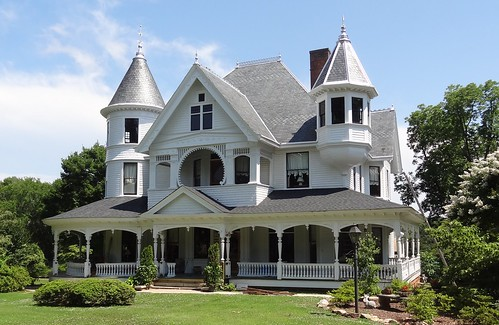 Laurens, South Carolina, house with turrets