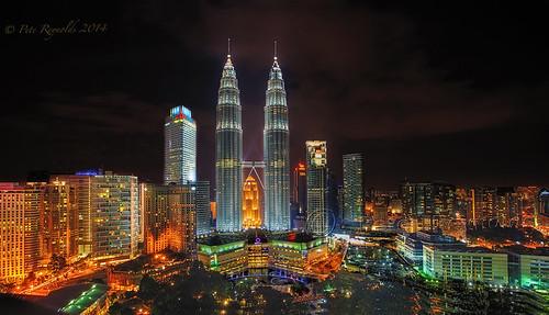 20:39 - Dusk at the Petronas Towers