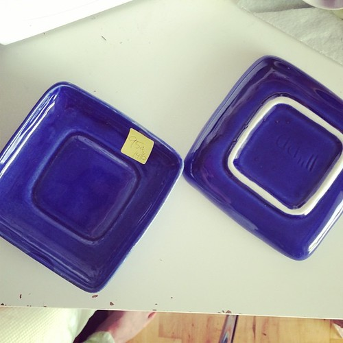 The two dishes. #thrifting success for $1.90