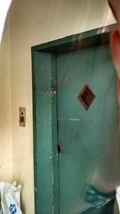 Old Monarch defunct elevator