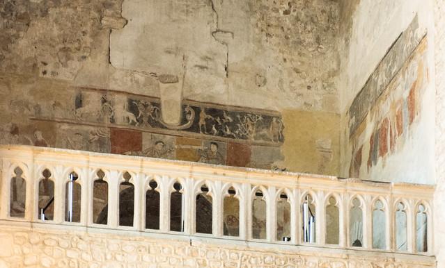 Peintures d'époque romane,abbatiale Saint-Léger d'Ébreuil (Allier, France)