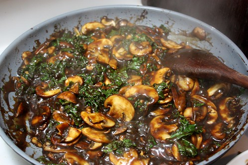 ginger-beef-stir-fry-with-mushrooms-and-kale