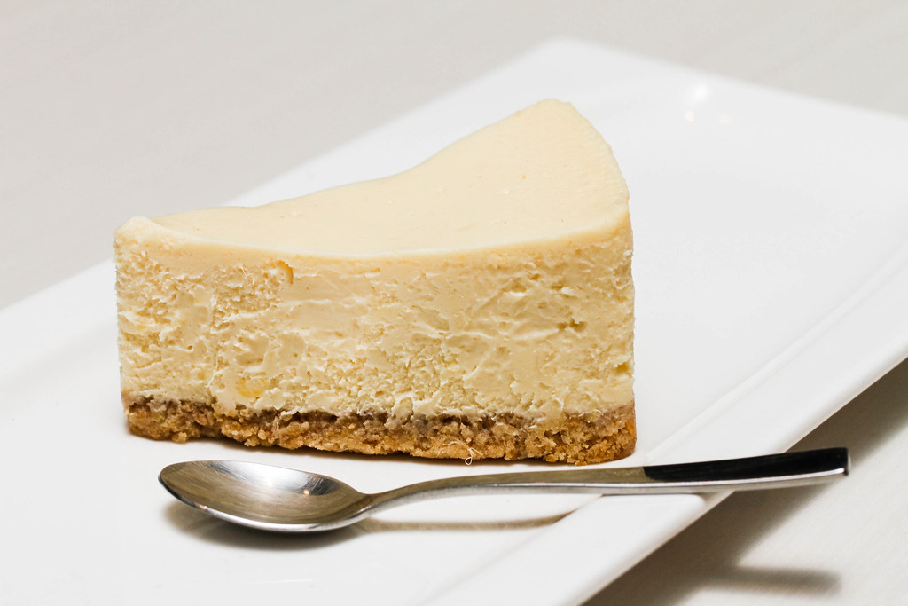 Orchard Central Food: Café Mondo's Café Mondo's Durian Cheesecake