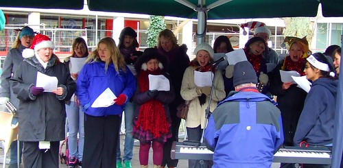 Showstoppers perform at  Christmas - temperature -4C!