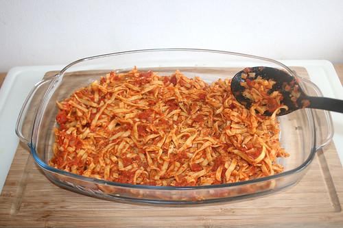 34 - Tomatennudeln einfüllen / Fill in tomato noodles