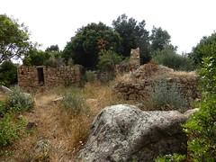 1ère maison de Ghjuncaghjola : la façade et le four à pain