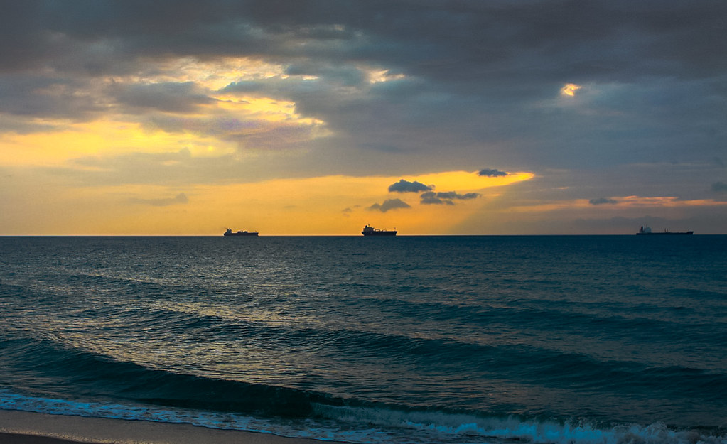 Waiting for the sun in Ft. Lauderdale Fl. ©®