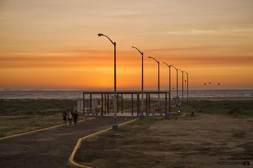pisco peru peruvian yellow sunset beach playa atardecer ocaso landscape sky tourism trip travel viaje ocio travelling sony alpha costa flickr