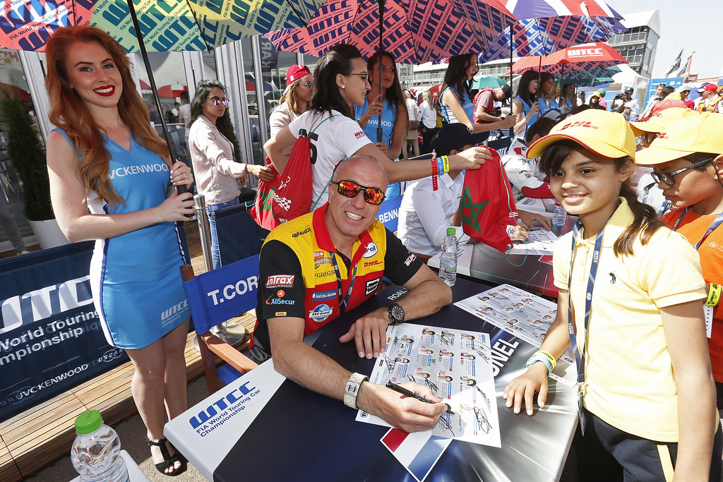 CORONEL Tom (ned) Chevrolet RML Cruze team ROAL Motorsport ambiance portrait AUTOGRAPH SESSION AMBIANCE during the 2017 FIA WTCC World Touring Car Race of Morocco at Marrakech, from April 7 to 9 - Photo Jean Michel Le Meur / DPPI.