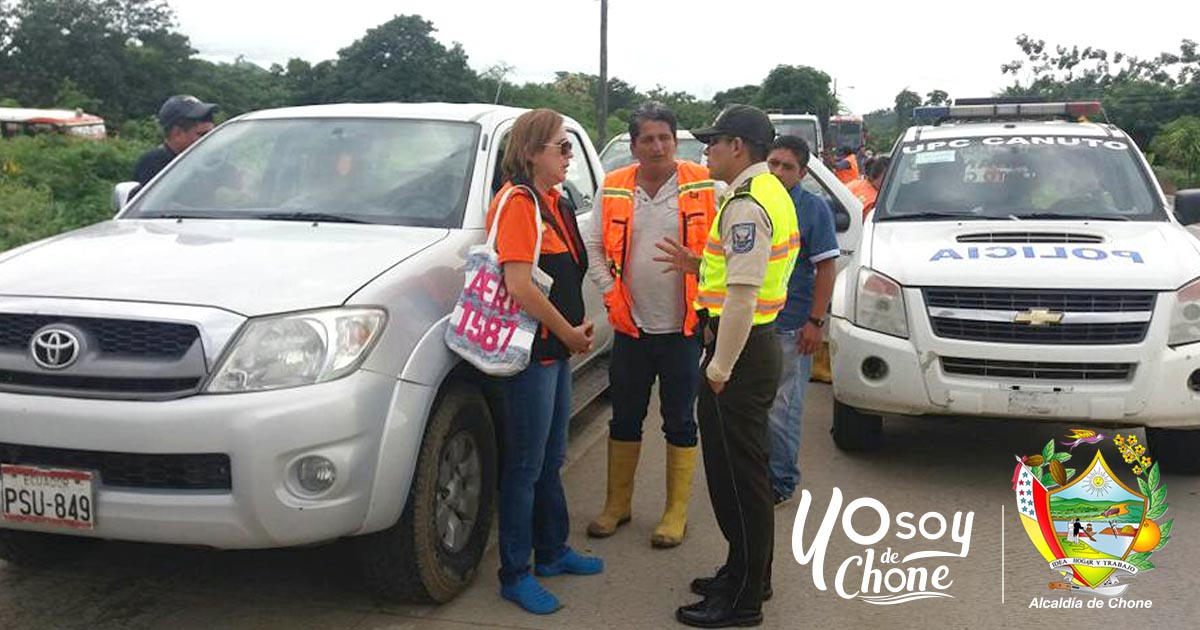 Familias damnificadas por lluvias en Chone reciben ayuda