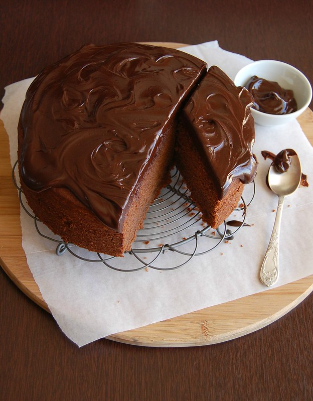 Peanut butter and chocolate cake / Bolo de chocolate e manteiga de amendoim