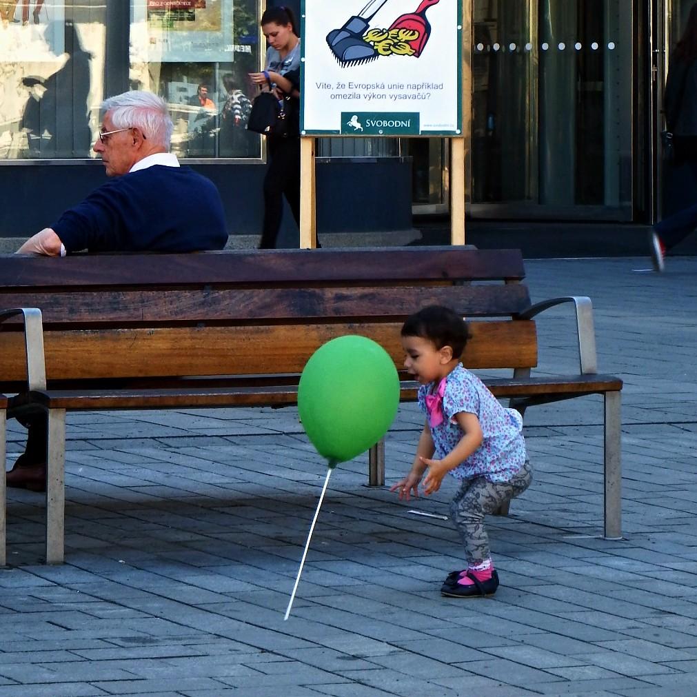 Child with Eurosceptical Balloon