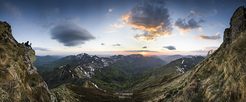 sunset panorama france de soleil nikon mary coucher photographers 09 lee filters puy auvergne lightroom 1635 cantal d600 gnd rawvergnat