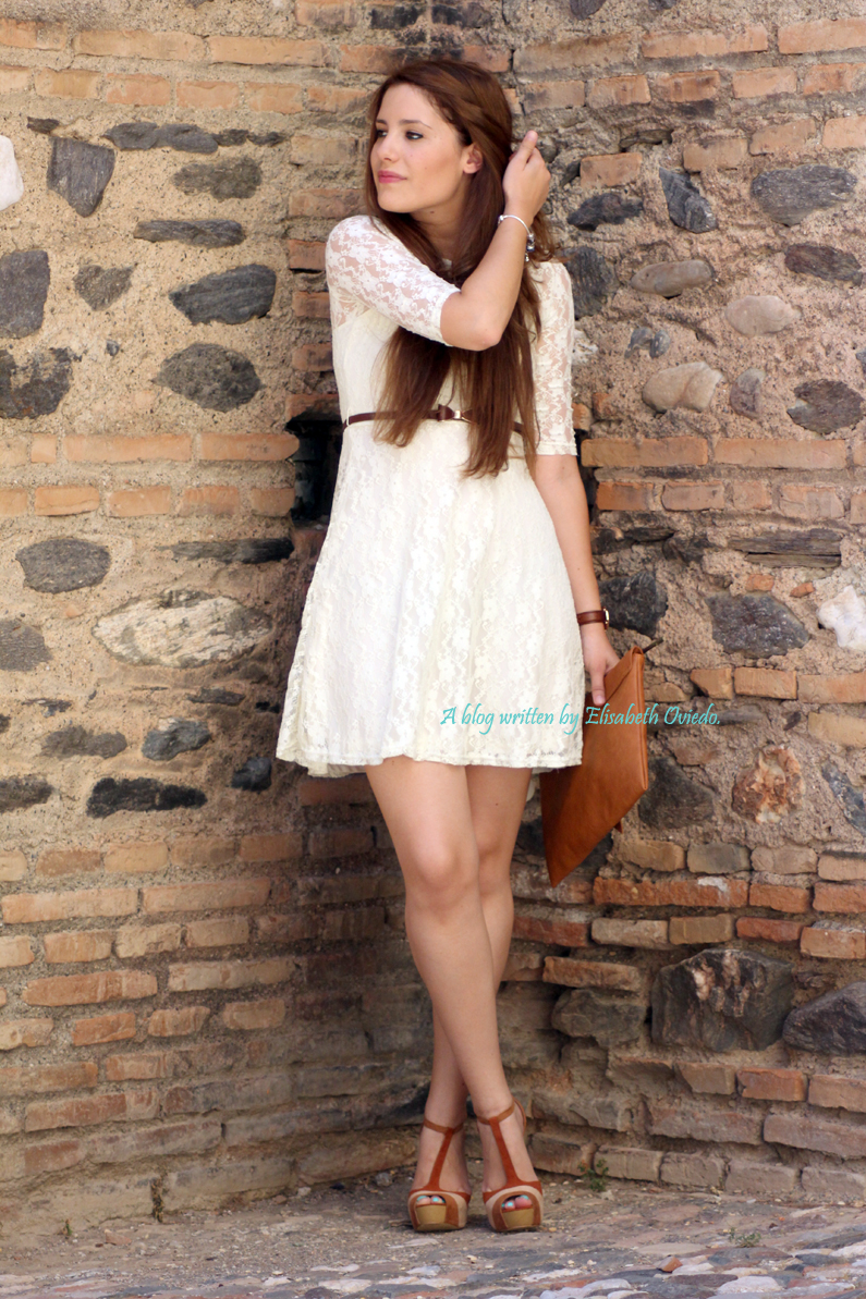 vestido-encajes-blanco-primavera-verano-clutch-pull-and-bear-HEELSANDROSES-(7)