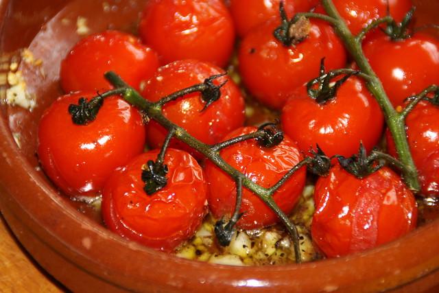 gegrilde tomaatjesmet verse knoflook