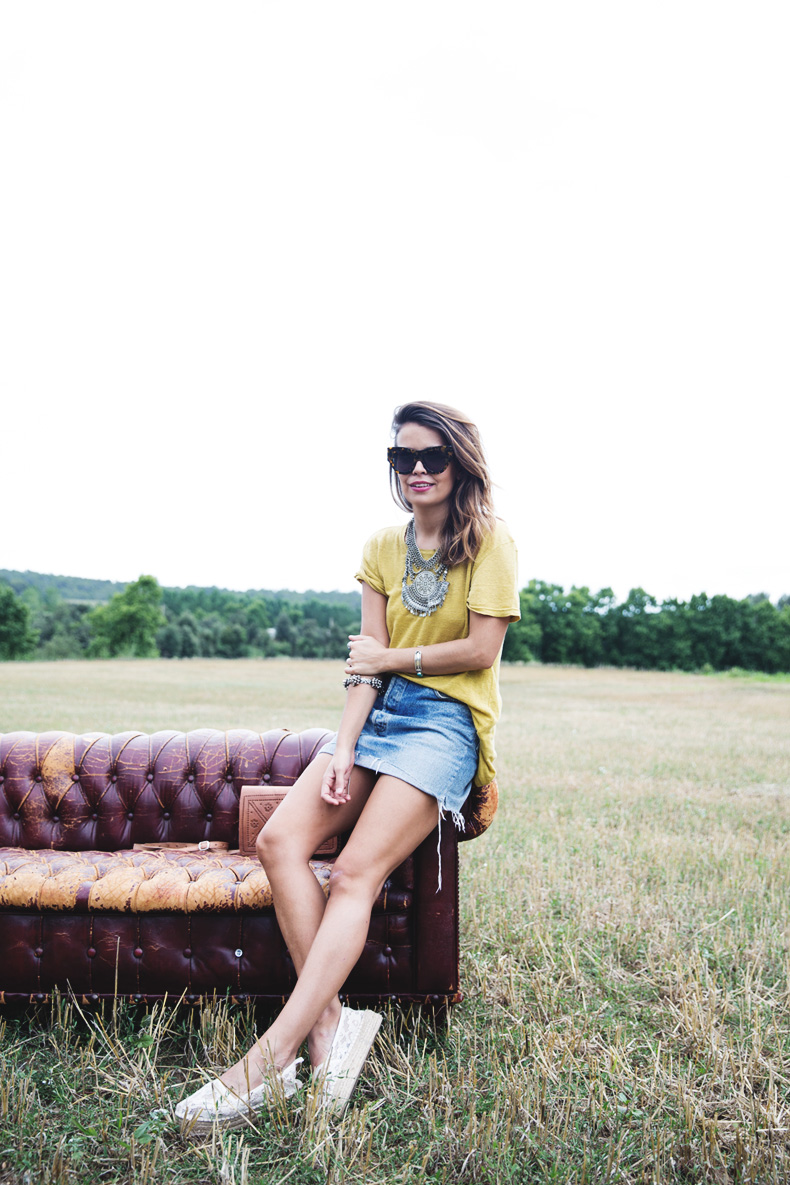 LidL_Ice_Cream-Levis_Vintage_Skirt-Yellow_Top-Espadrilles-Outfit-11