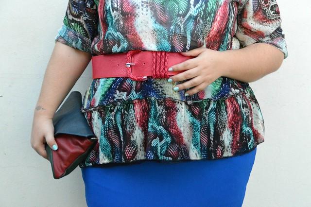 Outfit rosso e blu (3)