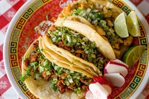 Tacos de Puerco y Pollo