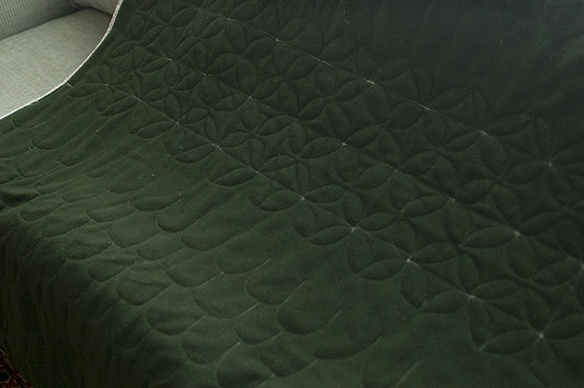 Clamshell and Dogwood Quilting back