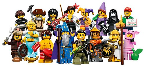 71007 Collectable Minifigures Series 12