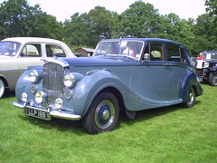automobile, packard 120, rolls-royce phantom iii, vehicle, rolls-royce silver dawn, antique car, sedan, vintage car, land vehicle, luxury vehicle,