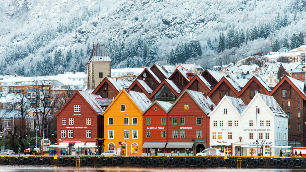 adaymag-stunning-photos-that-prove-bryggen-norway-is-the-ultimate-storybook-town-09