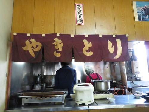 佐賀競馬場の朝日屋厨房の様子