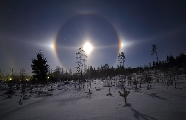The most beautiful Moon halo i've seen so far lll