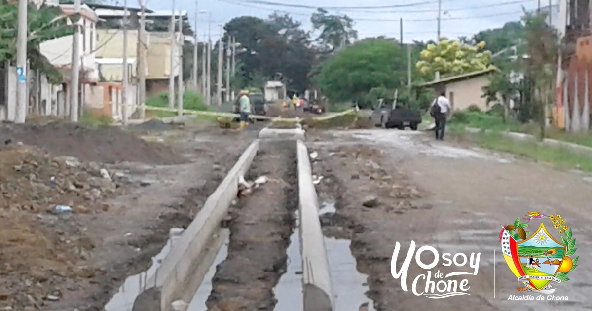 Continúa obra en calle de ciudadela San Rafael de Chone
