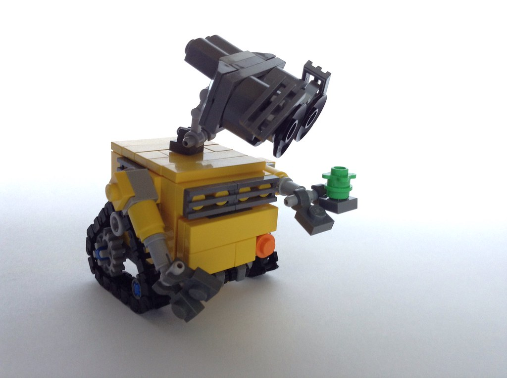 WALL-E (custom built Lego model)