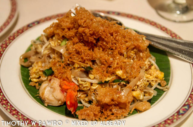 Philippines - Manila - Dusit Thani Manila - Benjarong Thai restaurant - Pad Thai