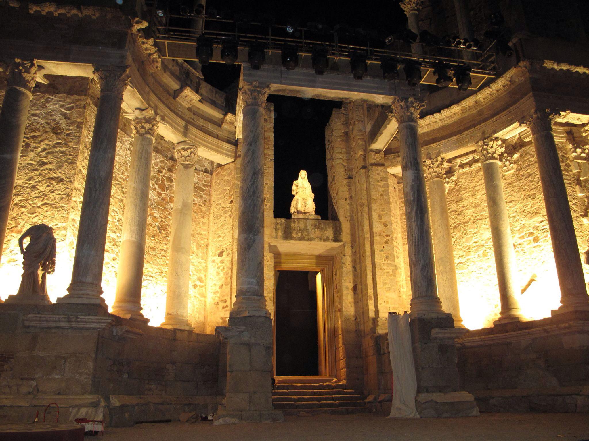 ceres_livia_valva regia_teatro romano