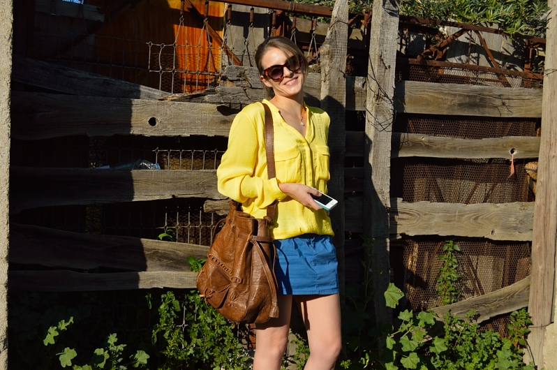 lara-vazquez-madlula-blog-fashion-trends-spring-blue-yellow