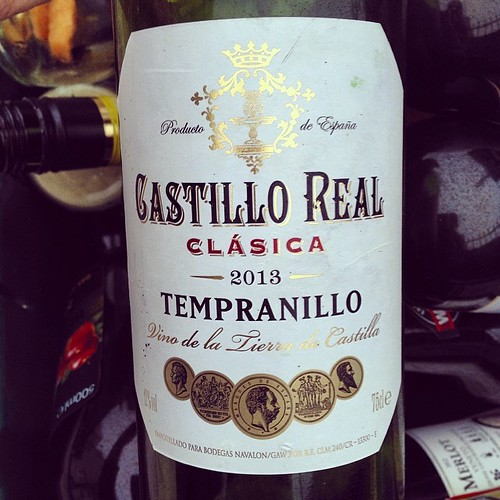 Another cheap bottle of plonk. We are not as rich as Roman.  #blog #blogger #blogging ©http://laurasdiatribe.blogspot.co.uk #tempranillo #wine #redwine #Spanishwine #vinotinto