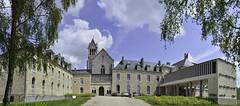 Nouvelle renaissance de l'Abbaye Notre Dame d'Igny (F)