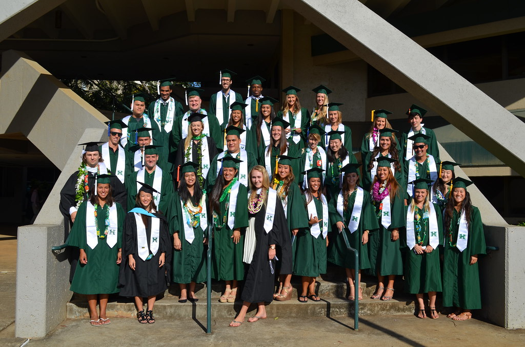 <p>Student-athletes wore white stoles presented to them by the UH Letterwinners Club. The student-athletes participated at the University of Hawaii and Manoa commencement ceremony at the Stan Sheriff Center on May 17, 2014.</p>
