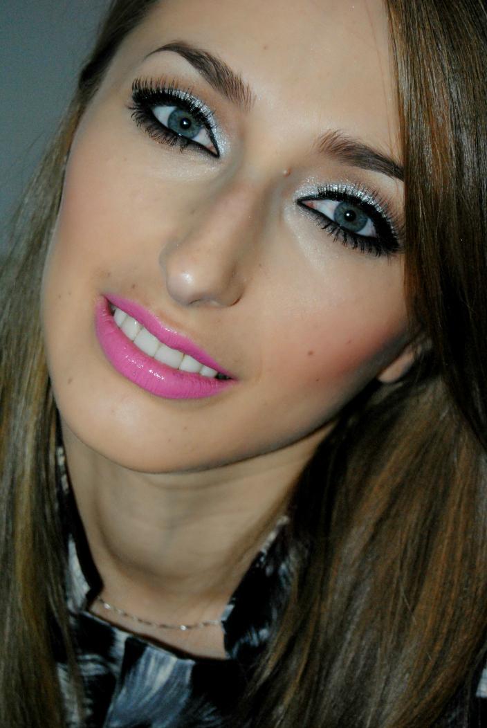 Makeup - Silver (1)