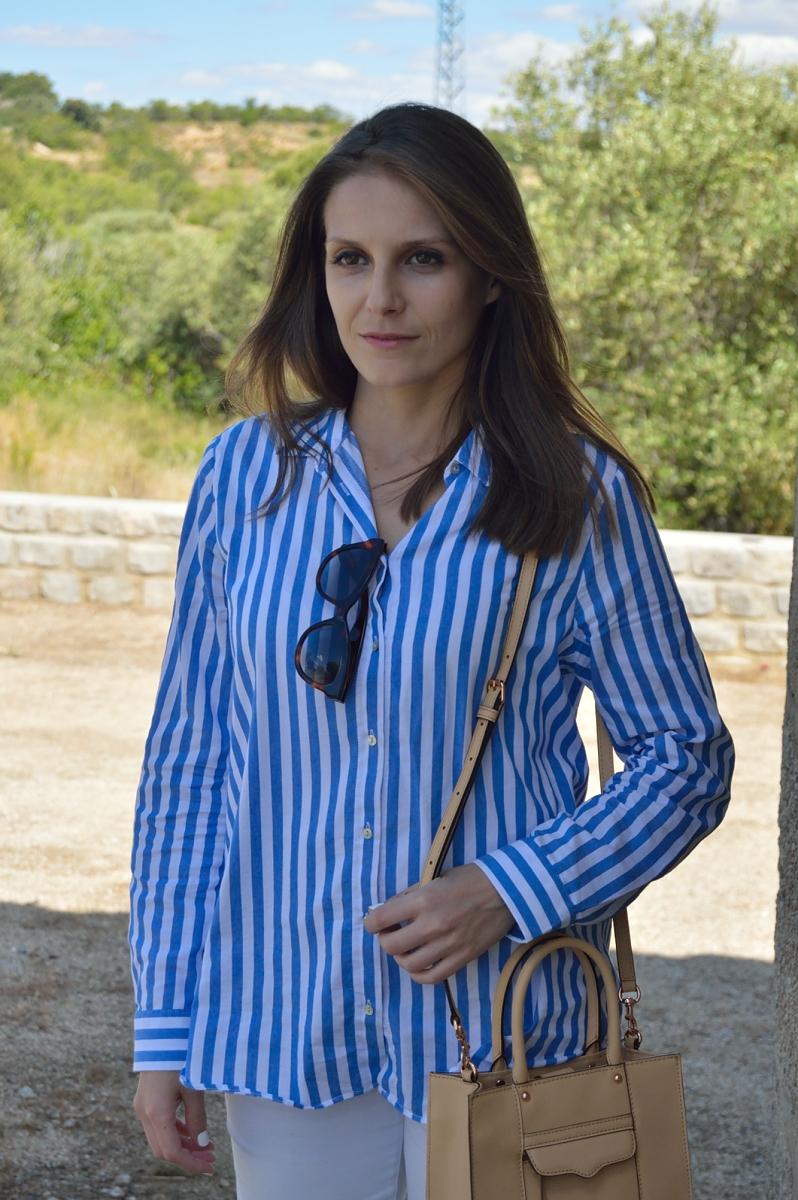 lara-vazquez-madlula-blog-stripes-white-blue-spring-attire